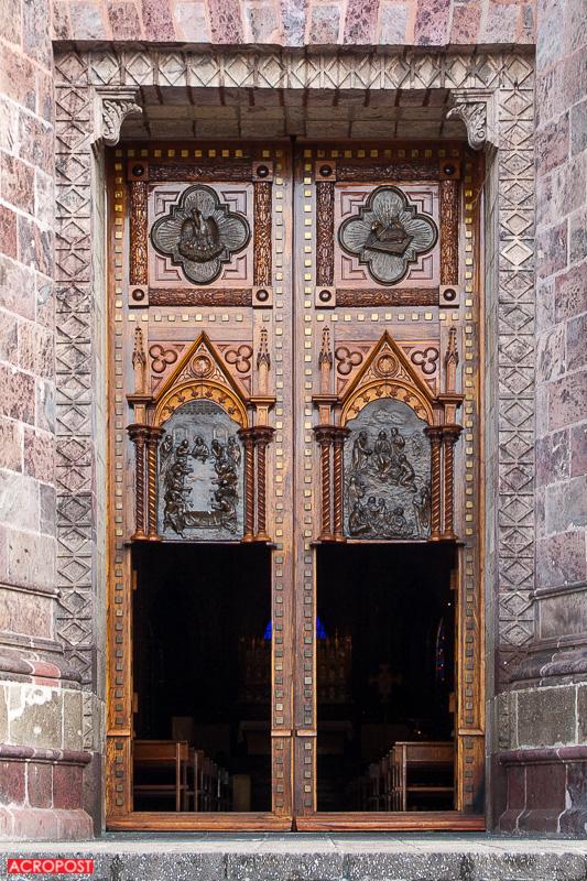 templo-expiatorio-expiatory-church-guadalajara-mexico-neo-gothic-architecture-10