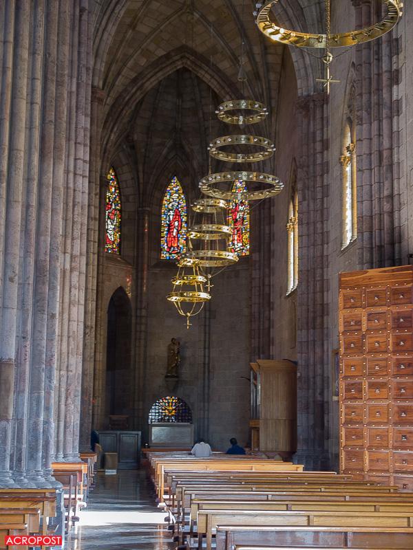 Oriental aisle of the church | La nave lateral oriental de la iglesia